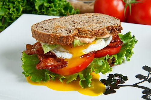 Avocado BLT with Fried Egg and Chipotle Mayo 500 7707